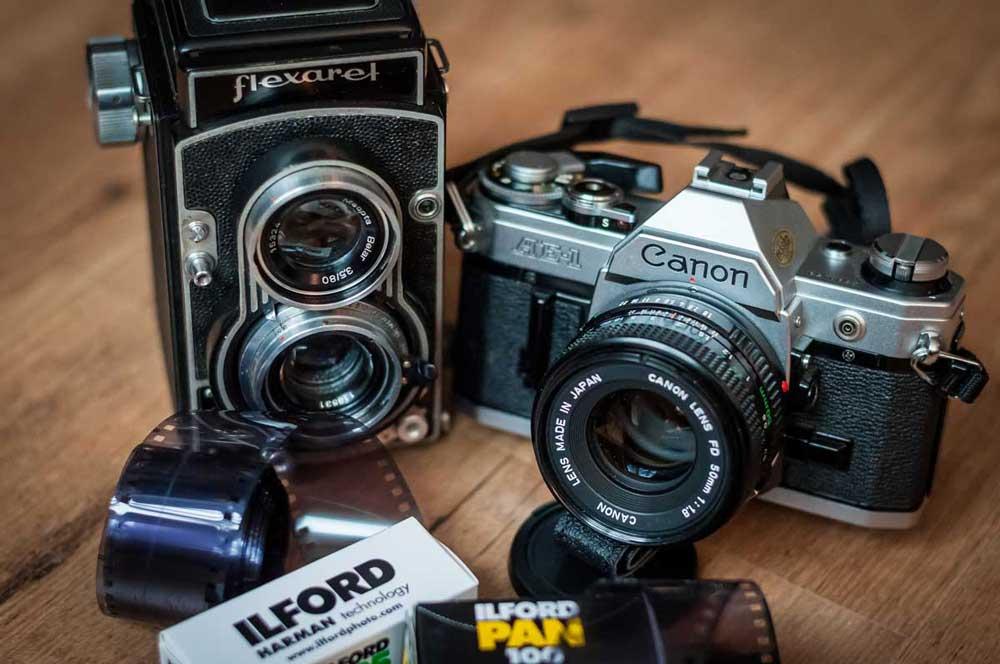Svatební fotograf Brno - analogové zrcadlovky
